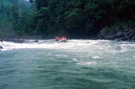Peñas Blancas Safari Boat Tour in Arenal