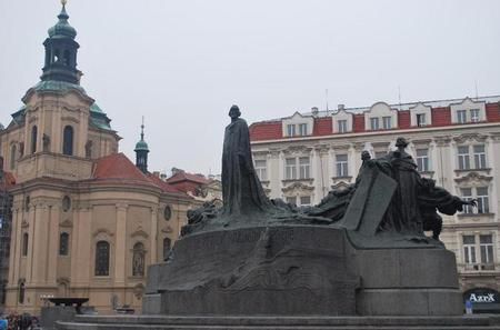 The Old Town from the Powder Gate via Ungelt to the Charles Bridge Private Tour in Prague