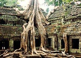 Angkor Wat and Floating Village: 3-Day Private Tour