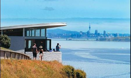 Auckland Highlights and Waiheke Island Wine Day Tour