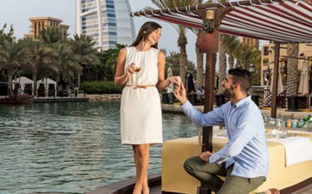Dubai: Private 2-Hour Afternoon Tea on an Abra Boat