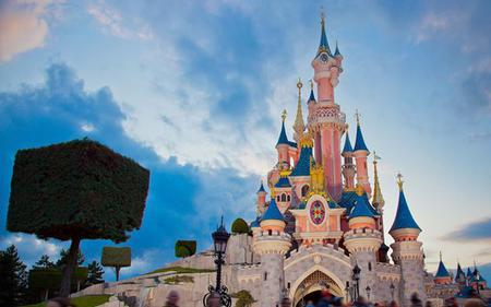 Disneyland® Paris: 1 Day 2 Park Hopper Ticket