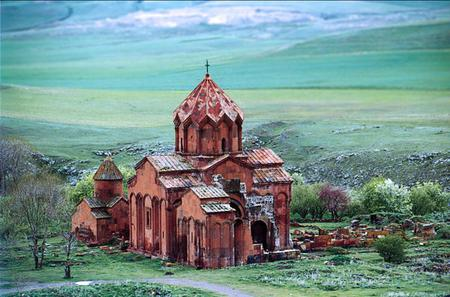 Day Trip: Aruch and Marmashen Monasteries with Gyumri Folk Music City Tour