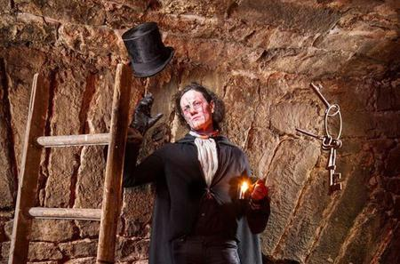 Edinburgh Real Fear Ghost Tour: Old Town, Cemetery, and Underground Vaults