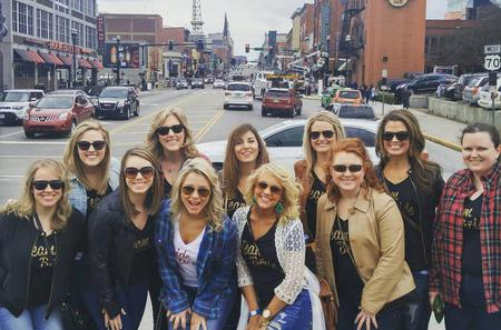 Nashville's Pub Crawl on Historic Broadway