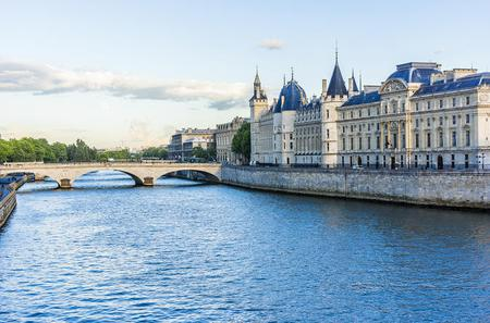 Paris Super Saver: Skip the Line Sainte Chapelle and Conciergerie Combined Ticket