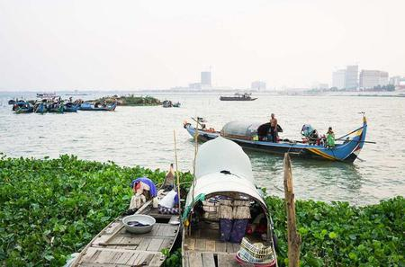 Traditional Fishing Boat Tour in Phnom Penh