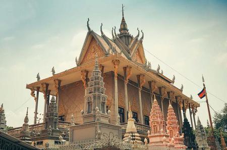 Langka Temple Meditation Tour in Phnom Penh