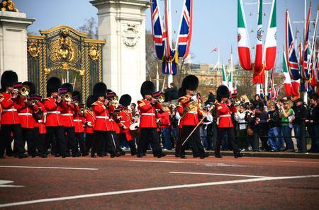 Small Group Tour: London Historical Walking Tour