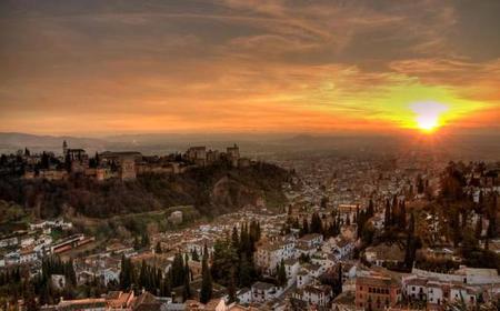 Granada: Alhambra, Nasrid Palaces and Albaicín Tour