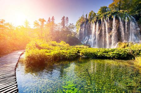 Plitvice Lakes Guided Day Trip from Zagreb