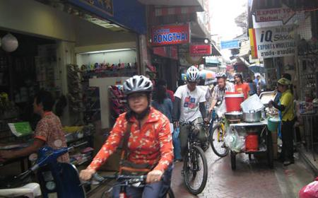 Bangkok Chinatown and Temple Half-Day Bicycle Tour