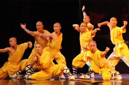 Luoyang Private Day Tour: Shaolin Temple, White Horse Temple and Longmen Grottoes
