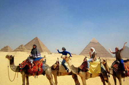 Private Half-Day Trip to Giza Pyramids with Camel-Riding
