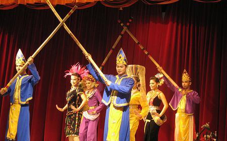 Kuala Lumpur City Tour & Malaysian Cultural Show with Dinner