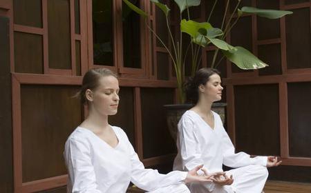 Bangkok: Evening Meditation Class at Wat Mahathat
