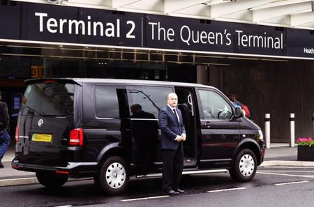 Private Minivan Arrival Transfer: Heathrow Airport to Central London