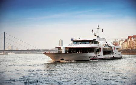 Düsseldorf: Hop-on Hop-off Bus Tour with Boat Cruise