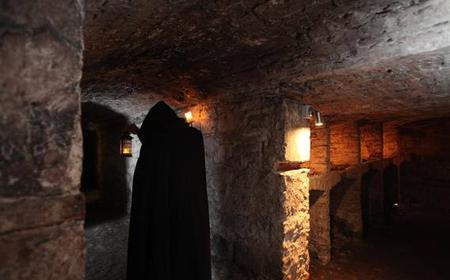 Hidden and Haunted: Late Night Vaults Tour in Edinburgh