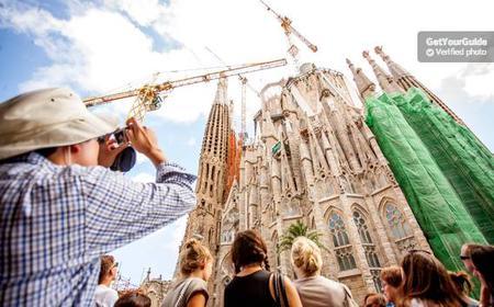 Fast Track Access: Sagrada Familia 1.5-Hour Guided Tour