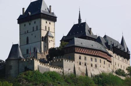 Private Tour: Castle Karlstejn and Kopeprusy Caves plus Twin Castles Zebrak and Tocnik From Prague