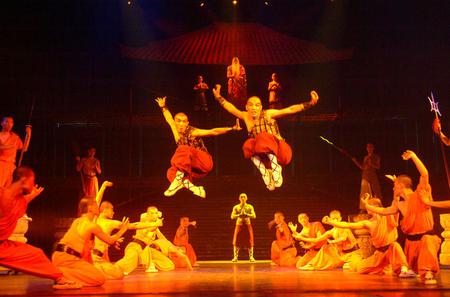 Private Tour: Pearl Market, Kung Fu Show, and Peking Duck Dinner