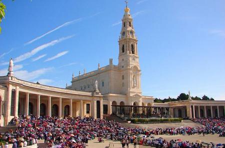 Semi-Private City Tour of Fatima, Batalha, Nazare and Obidos