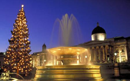 Christmas Eve in London: 2-Hour Guided Evening Tour