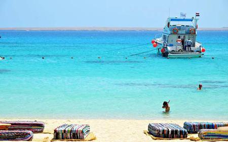 From Hurghada: Full-Day Boat Trip to Mahmaya Island