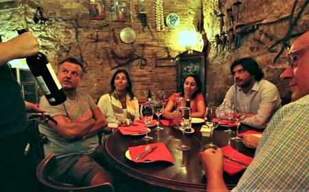 Barcelona Experience: Tapas and Wine Walking Tour