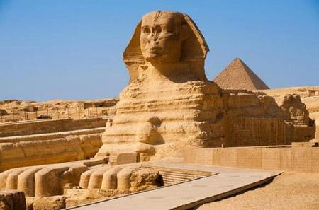 Half-Day Small Group Tour: Pyramids of Giza and Sphinx