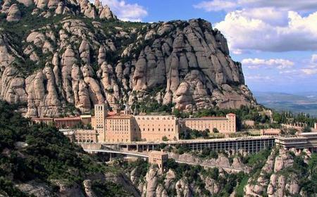 Montserrat & Salnitre's Caverns Day Tour from Barcelona