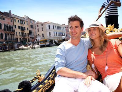 Gondola Ride + Discover Venice Walking Combo Tour