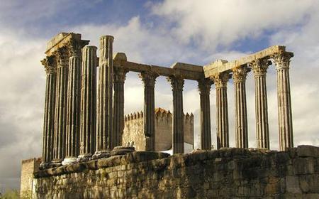 Lisbon: Full-Day Private Tour to Évora and Palmela