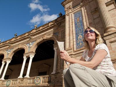 Seville Sightseeing and Shopping Tour from Albufeira