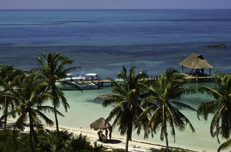 Paradise Islands Discovery Tour: Isla Contoy and Isla Mujeres with Snorkeling