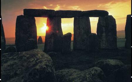Stonehenge and Bath Full-Day Sunrise Tour from London