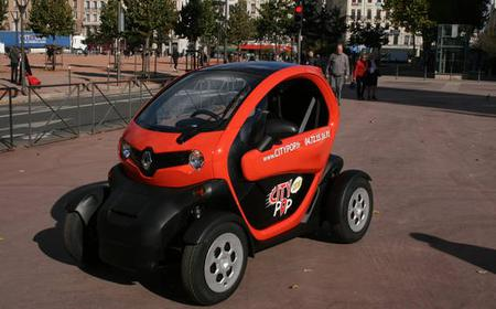 2H GPS Guided Tour in an Electric Car