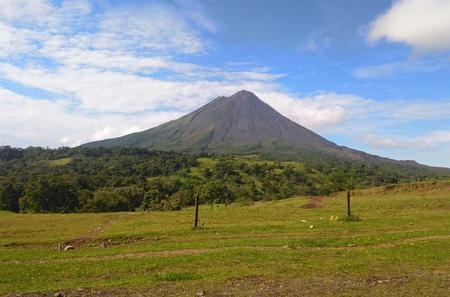 Arenal Volcano Day Tour From Guanacaste
