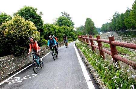 Private Half-Day Country Biking Tour Nearby Chengdu
