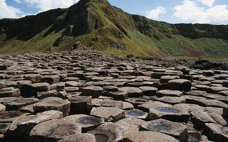 Giant's Causeway and More: Full-Day Luxury Coach Tour