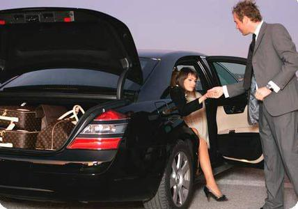 Belgrade: Private Transfer Between Belgrade & Budapest