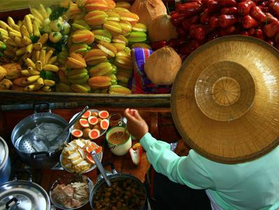 Damnoen Saduak Floating Markets Tour from Bangkok + Rose Garden Visit*