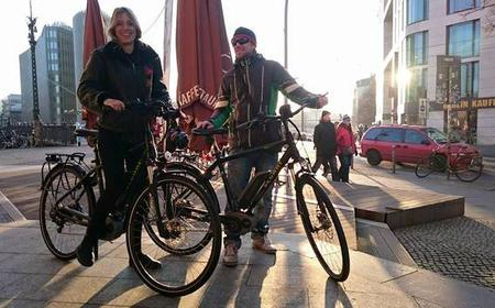 Berlin: Bicycle Rental or Guided Tour through Mitte