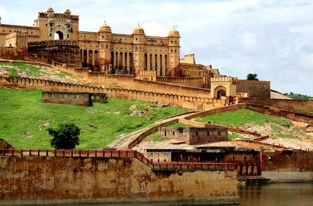 Day Trip to the Royal Forts and Palaces of Jaipur from Delhi