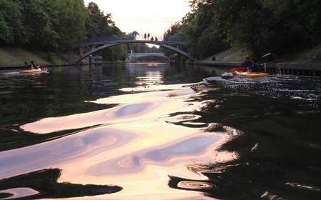 Berlin: 2-Hour Evening Kayak Tour on the Landwehr Canal