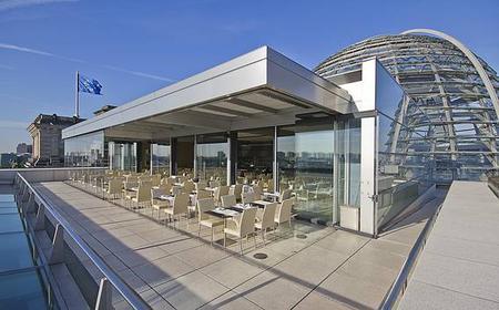 Reichstag: Kaffeetrinken im Käfer DACHGARTEN-RESTAURANT