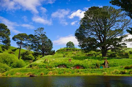 Full-Day Hobbiton and Rotorua Tour from Auckland