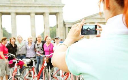 Berlin: Guided Bike Tour