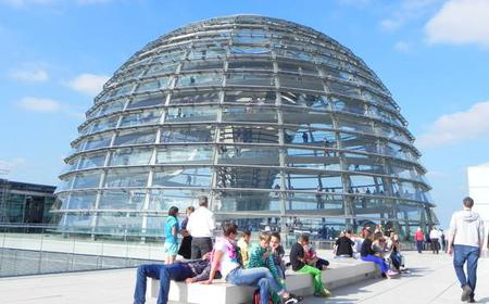 Berlin: Brandenburger Tor und Reichstagskuppel